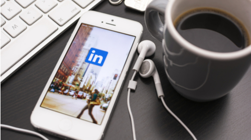 How to Find Your Next Contract: Four Ways to Make the Most of LinkedIn